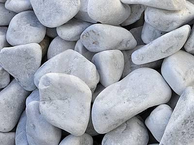Witte stenen met kalk verhoogt ph waarde